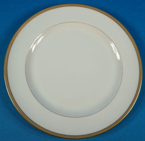"""Lenox for Tiffany & Co.Gold Embossed Rim 8 1/2"""" Salad Plate"""