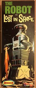 MOEBIUS LOST IN SPACE THE ROBOT 1:24 SCALE MODEL KIT