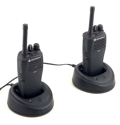 2x Motorola CP040 4-channel UHF 2-way Radio Walkie-Talkie