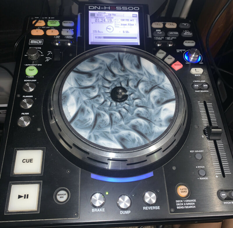 Denon DN-HS5500 Direct Drive Turntable Media Player DJ Controller 2 Deck in 1