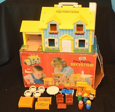VINTAGE 1970's FISHER PRICE LITTLE PEOPLE #952 PLAY FAMILY HOUSE COMPLETE W/BOX
