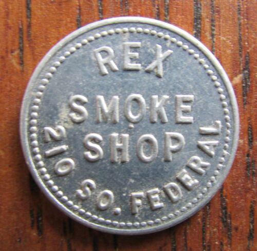Mason City IOWA Good For 2 1/2¢ in merchandise trade token Smoke Shop FREE SHIP
