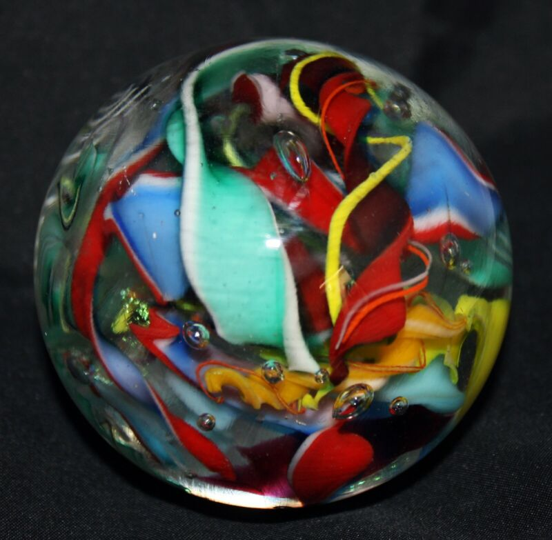 """Perry Kenin Off Hand Glass paperweight signed   2.75 """" (8600)"""