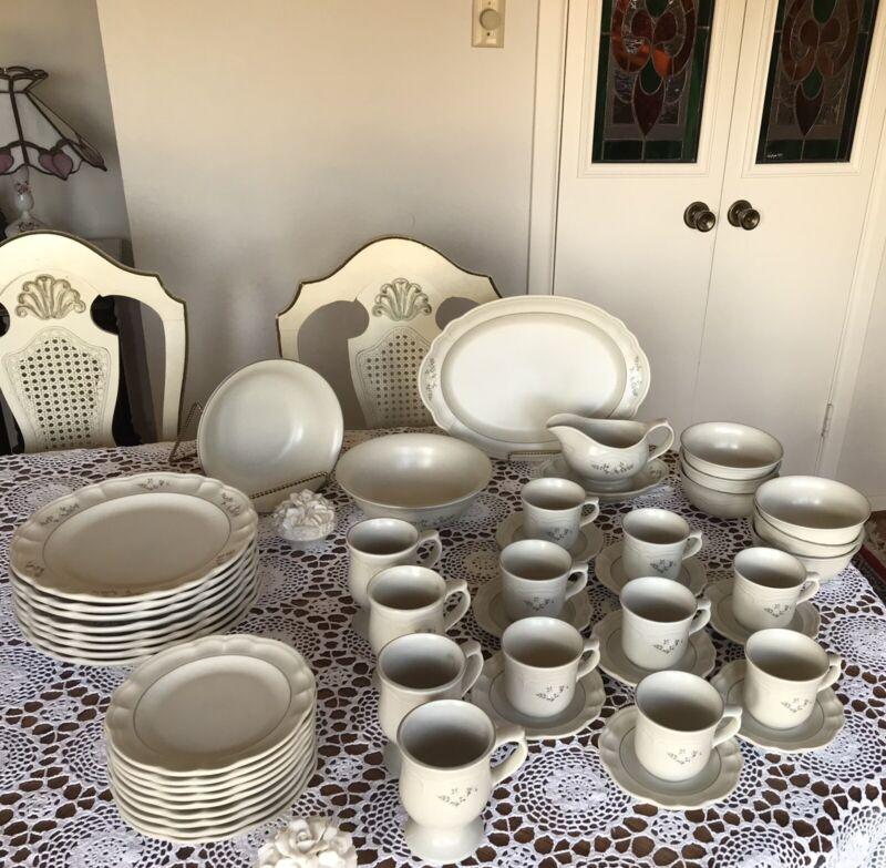 Pfaltzgraff Heirloom (Retired) Stoneware Dinnerware Set - 33 Pieces