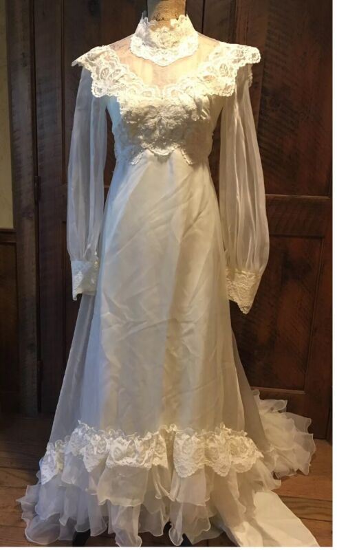 Vintage ILGWU Victorian Lace Pearl Wedding Dress