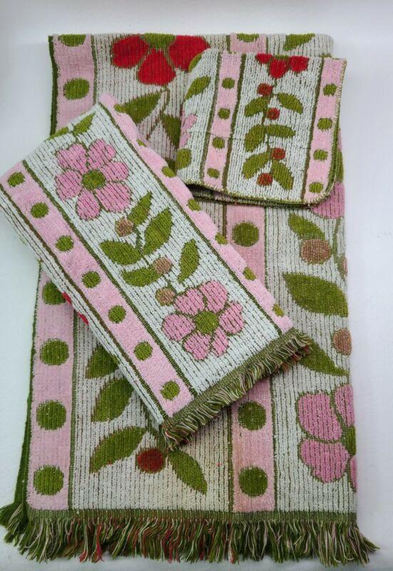 VTG Cannon Royal Family Floral Green-Pink- White 3 Piece Towel Set MCM Fringe