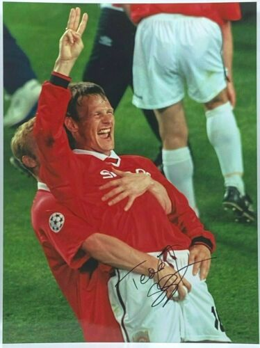 Teddy Sheringham Manchester United SIGNED 16x12 Photo AFTAL OnlineCOA