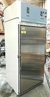 Thermo Scientific Forma 3940 Environmental Chamber 821.2 L. With 6 Shelves