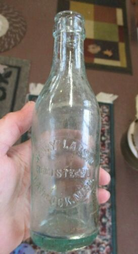 ANTIQUE VINTAGE AQUA BLUE PINT HENRY LARSON HANCOCK MICHIGAN BOTTLE
