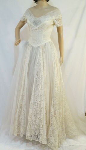 Vtg 1940s 1950s wedding dress lace with train XS