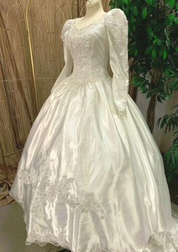 WHITE SATIN LONG SLEEVE WEDDING DRESS BRIDAL GOWN RENAISSANCE FAIR SZ 6 PETITE