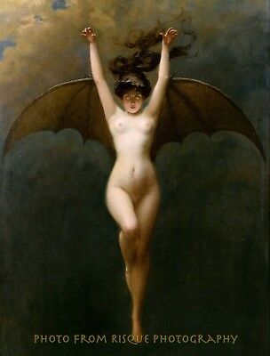 Nude Woman Vampire 8.5x11