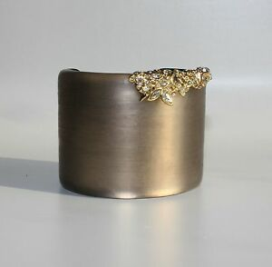 ALEXIS-BITTAR-Lace-Wide-Crystal-Encrusted-Lucite-Cuff-Bracelet-NWT-245