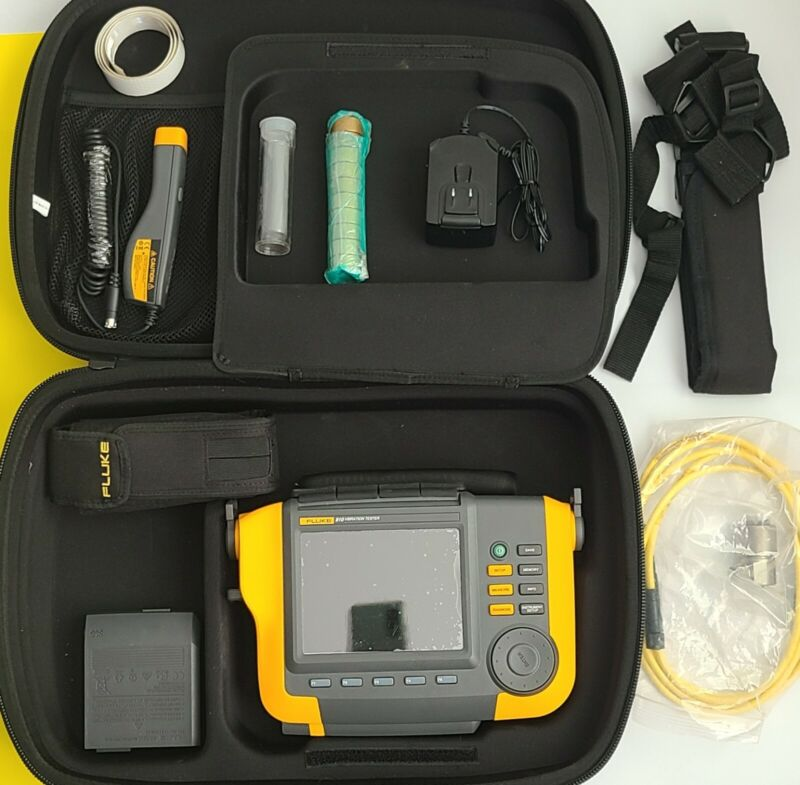 Priced to Sell !!!. Fluke 810 Handheld Vibration Tester with Extra Battery !!!.