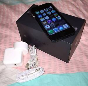 Black iPhone 5 64gb (AWESOME condition, all accessories) Merrimac Gold Coast City Preview