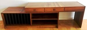 MID-CENTURY ROSEWOOD SLIDING STEREO AND RECORD STORAGE CABINET