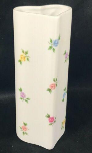 Porcelain TAKAHASHI Heart Shaped Floral Pattern Bud Vase LARA