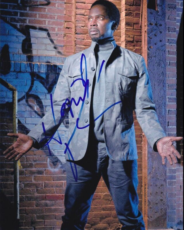 HAROLD PERRINEAU SIGNED 8X10 PHOTO AUTHENTIC AUTOGRAPH NBC CONSTANTINE LOST COA