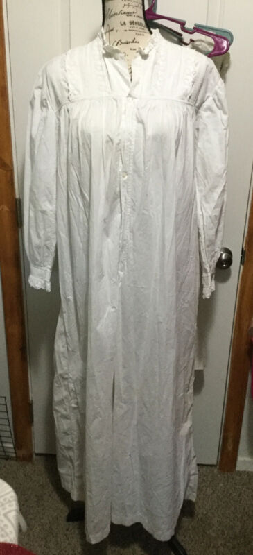 ANTIQUE LATE 1800's WOMENS LONG COTTON NIGHTGOWN ,  EYELET LACE TRIM, PLEATED.
