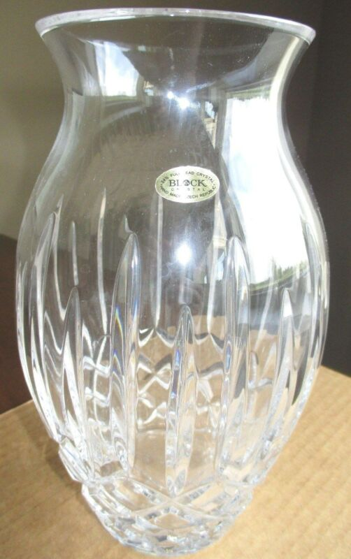 "d937s BLOCK CRYSTAL 9"" ROSE VASE, 24% FULL LEAD CRYSTAL, HAND MADE, CZECH REPUB."