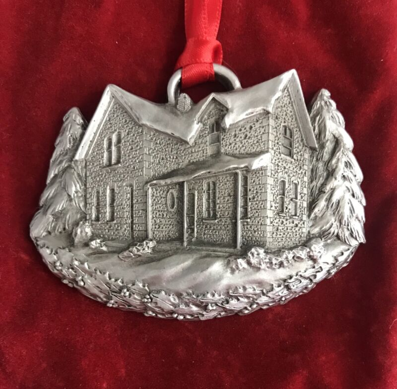 2002 MGIC Limited Edition of 10,000 A Schumann Christmas Pewter Ornament w/Pouch