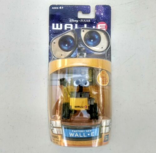 new Energizer Disney / Pixar New Wall-E Disposable Squeeze Light Sealed on Card