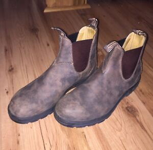 Blundstones size 9 - Excellent condition