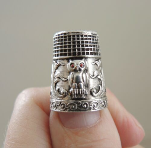Vintage Sterling Silver Owl Thimble Coral Eyes Antique Sewing Novelty Figurine