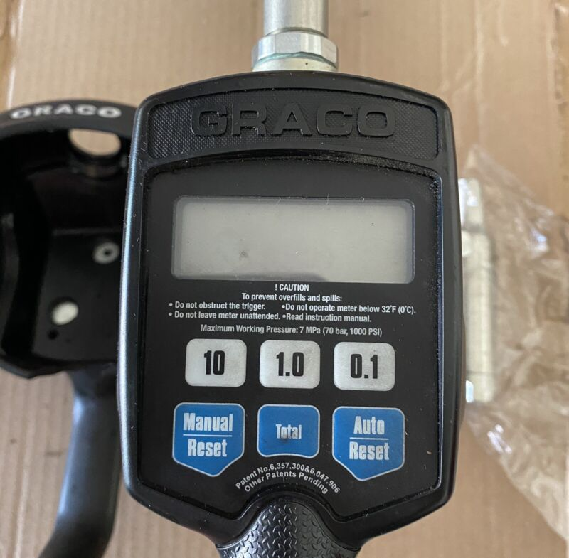 Graco 256215 256-215 Electronic EM5 Oil Meter Lightly Used