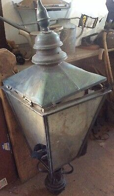 LARGE SADDLEWORTH VICTORIAN STREET LAMP TOP OLDHAM