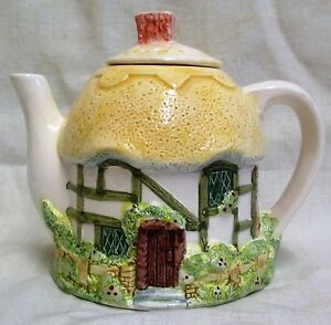 Vintage Western House Gifts Cake Roof Cottage The Village Teapot by Annie Rowe