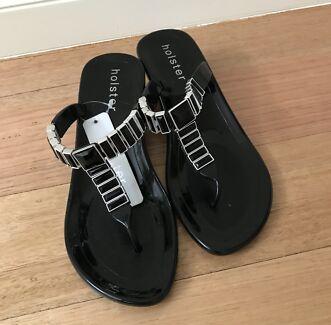 dbdb92dea4833 White wedding guest beach thongs sandals flip flops