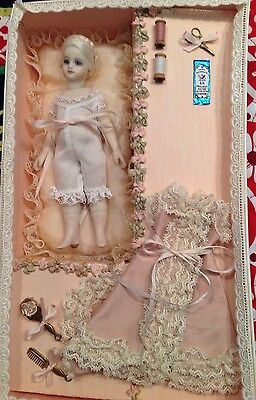"""Mignonette By Cathy Hansen, 5.5"""" In Presentation Box With Accessories"""