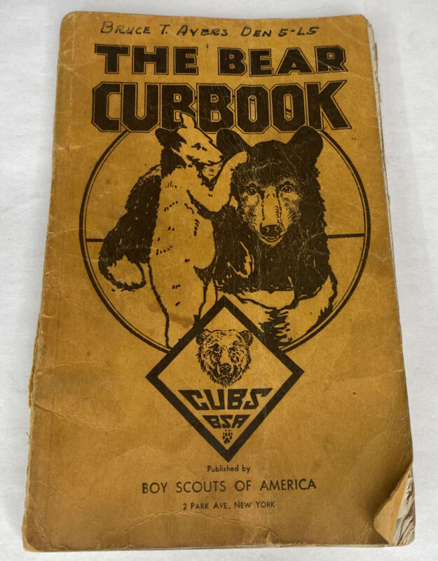 1943 The Bear Cubbook Boy Scouts of America (BSA) Cubs