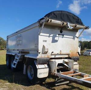 2012 MOORE TRI AXLE SUPER DOG TIPPING TRAILER - ONE OWNER - LOW KMS Noosaville Noosa Area Preview