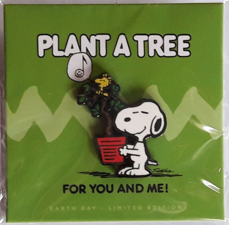 PINTRILL - PEANUTS PIN  - SNOOPY AND WOODSTOCK PLANT A TREE - LIMITED EDITION
