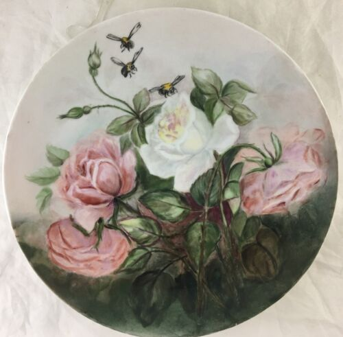 ANTIQUE CABINET PORCELAIN PLATE HAND PAINTED BEE/FLY,PINK,WHITE ROSE FLOWERS