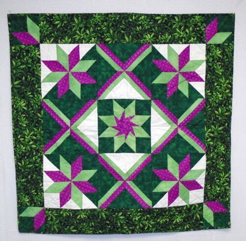 """Green Bright Pink Quilted Wall Hanging Decoration Table Runner Topper 30"""" Square"""