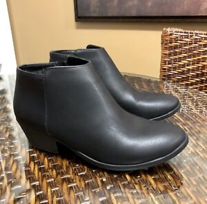 BRAND NEW!   WOMENS BLACK CHELSEA BOOTS