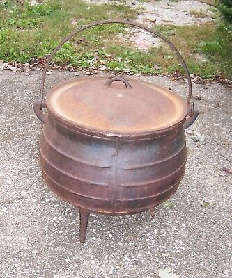Vintage Falkirk Size 14 Large Cast Iron 3 Leg Cauldron Pot With Lid (Large Cauldron)