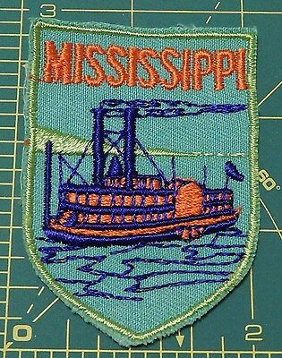 Vintage Mississippi River Boat Travel Patch ~ Cut Edge ~ Colors Really Pop !!
