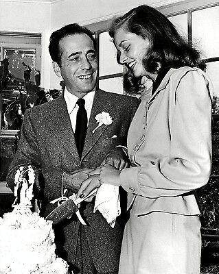 HUMPHREY BOGART & LAUREN BACALL CUTTING WEDDING CAKE 1945 - 8X10 PHOTO (DA-192)