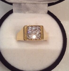 GENTS  LOVELY 18CT YELLOW DIAMOND RING Kangaroo Point Brisbane South East Preview