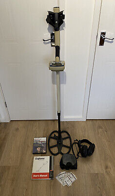 Minelab Explorer XS Metal Detector With Minelab UR-30 Headphones And Extras