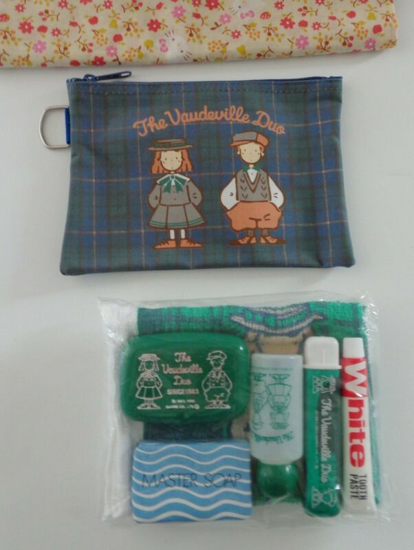 Sanrio 1993 Vaudeville Duo Eddy Emmy Toothbrush Soap Towel Kit