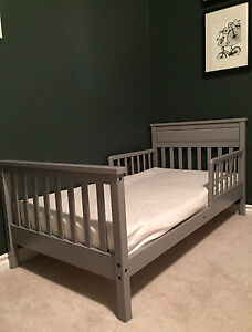 Toddler bed and mattress *like new!*