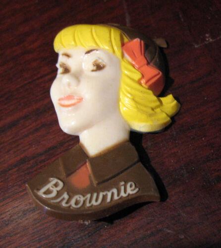 DARLING 1960s Brownie PIN BROOCH Uniform Girl Scouts LEADER CHRISTMAS GIFT