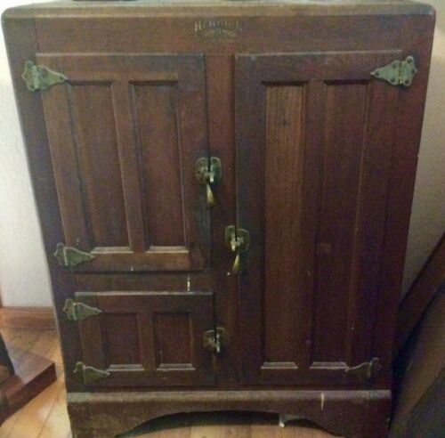 Antique Oak Ice Box – Herrick Refrigerator Company Waterloo, Iowa