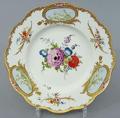 (MT029) Barocker Meissen Blumen Teller, 3 Reserven mit Putten in Sepia, um 1765