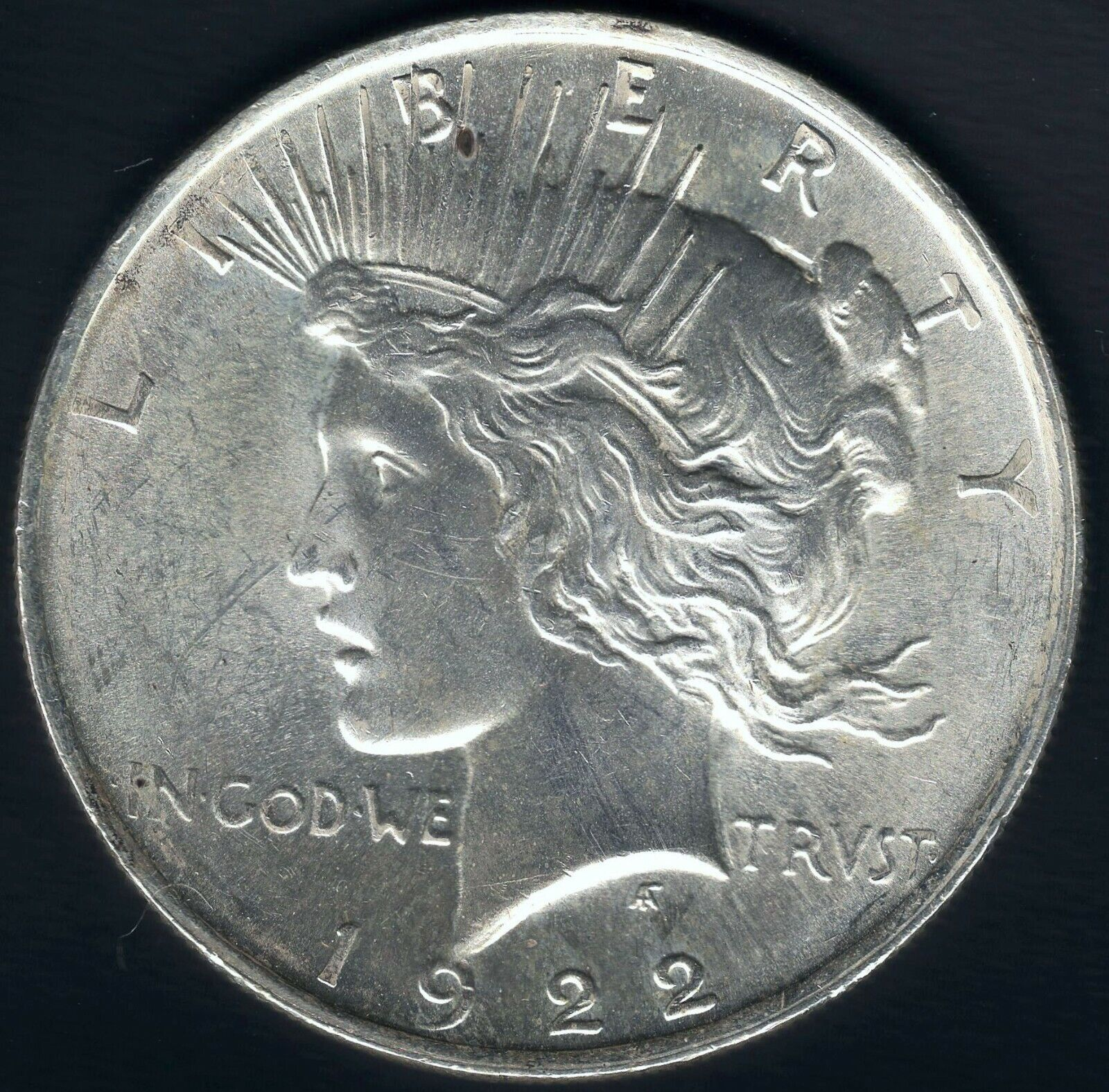 1922 Silver Peace Dollar - Uncirculated And A Beauty - HI RES SCANS  - $26.00